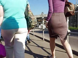 Babe nice ass in Nice ass in tight skirt