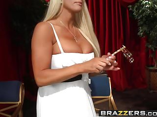 Moby dick opera Brazzers - milfs like it big - fun at the opera scene starr