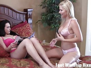 Music for sexy can i - I can help myself when i see her sexy feet