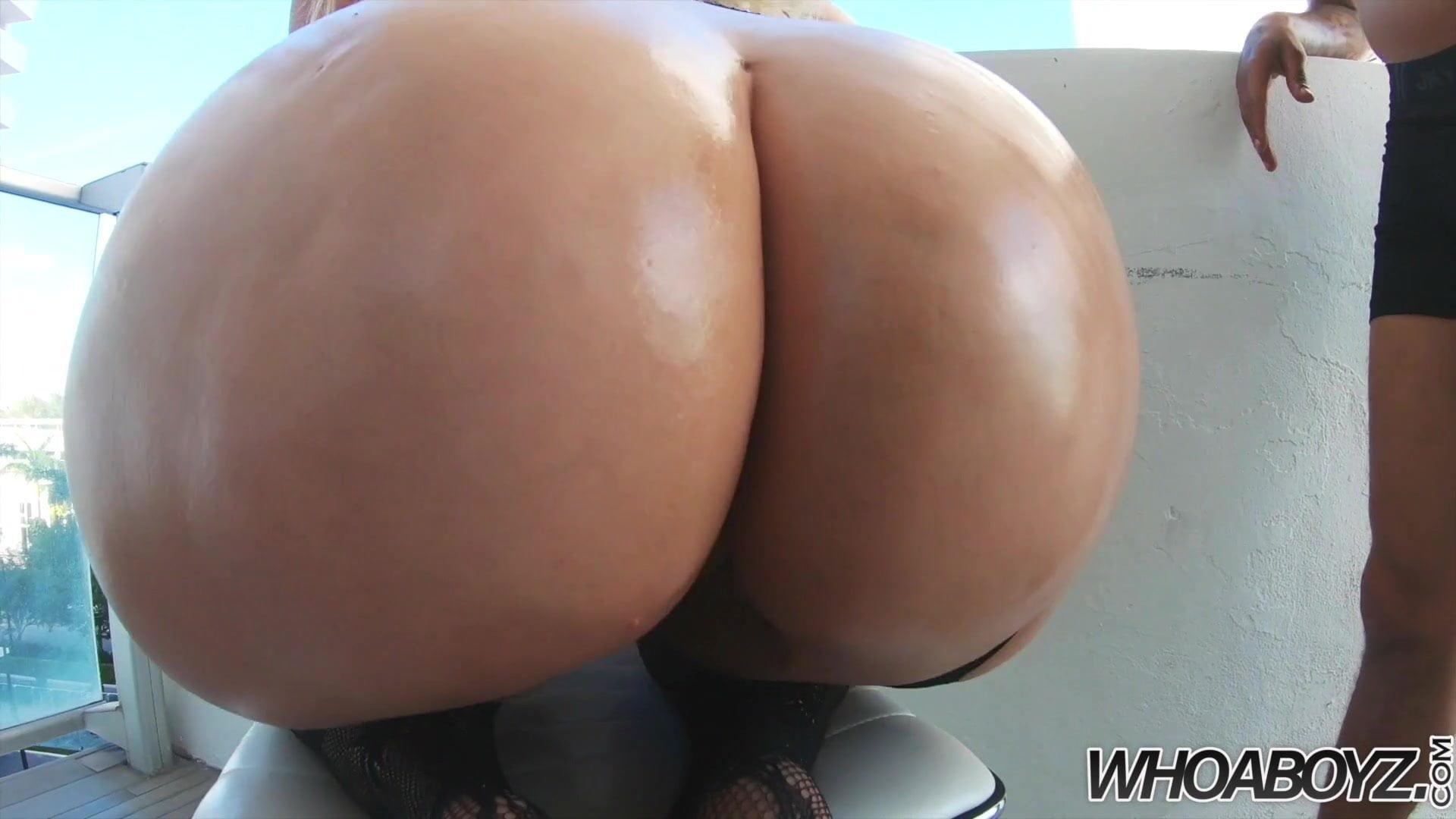 Big Booty Slut Takes Dick