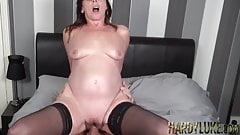 Sara seducido en descuidado dick chupando y bolas profundo a caballo