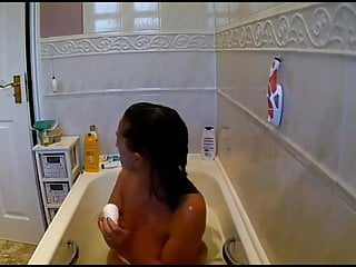 Video of girl shaving her pussy Stepmom shaving her pussy in bath