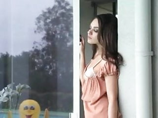 Sexy photo of malayalam actress Mila kunis sexy photo shoot 2
