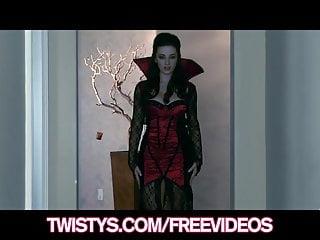 Halloween sexy wig - Twistys - sexy halloween vampire taylor vixen masturbates