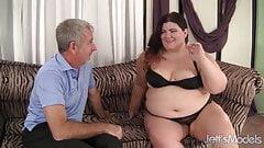 Fat beauty Juicy Jazmynne gets her pussy fucked hard