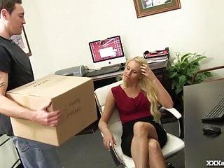Milf delivery man Office slut seduces the delivery man
