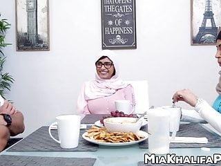 Spectacular handjob Spectacular mia khalifa cowgirl in hijab threesome