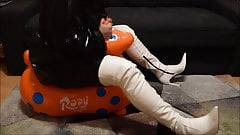 Rody riding and humping in overknee boots