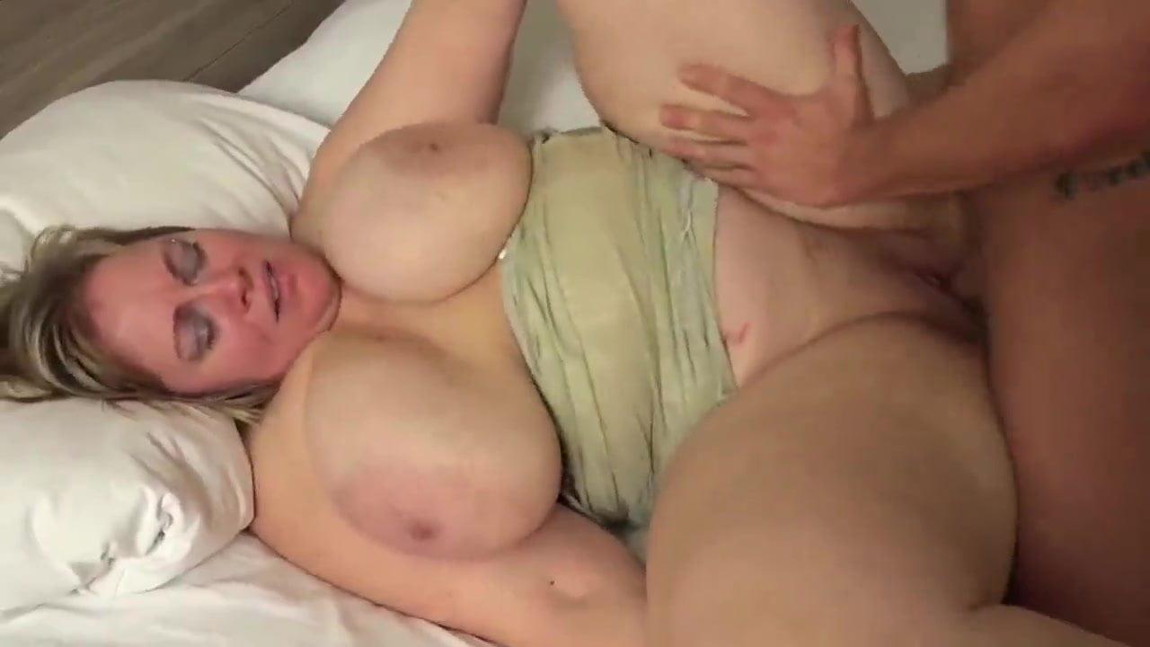 Big Boobs Chubby Housewife