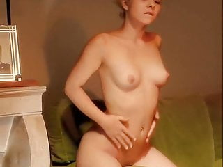 Best ways for a girl to pleasure herself - Rubbing herself up the right way