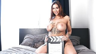CASTING FRANCAIS - Cute curvy amateur first hardcore porn