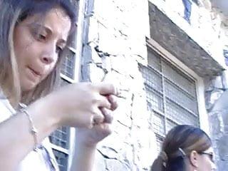 Celular vibrator - Novinha no facebook com o celular