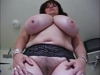 Huge breast mature clips - Big mature mom showing her huge breast