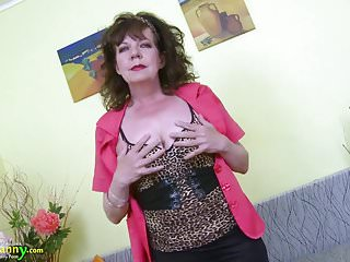 Amature videos of mature hairy pussys Oldnanny great mature hairy pussy toy masturbation