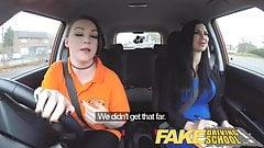 Fake, vollbusige lesbische Ex-Con von Fahrschule isst heiße Prüfer
