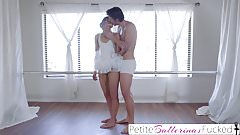 Young Amateur Shyla Ryder First Time Creampie