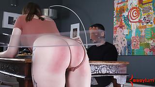 Hot big-butt girl gets beaten by spanking machine at dinner