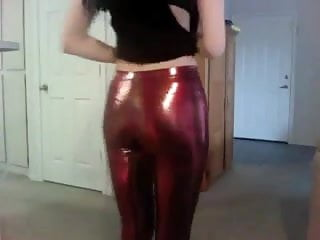 Using latex for moulds - Girl showing us her black milk leggings