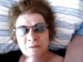 Wife strokes dick Mature wife strokes out the cum - negrofloripa