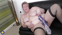 Big fat mature mom wants your cock