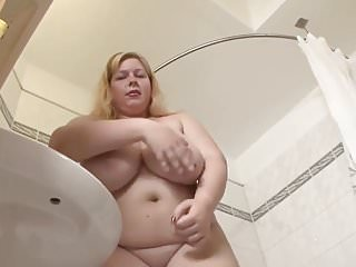 Senior gay tubes - Bbw in the shower tube cup.mp4