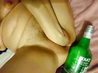 Loose cunt tube Extrem hot girl fisting her loose cunt