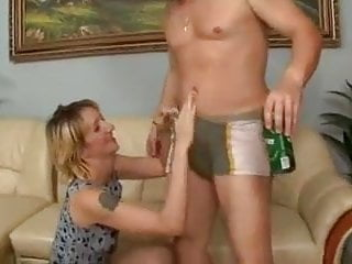 Fuck drinking game - Milf drinks piss and fucks
