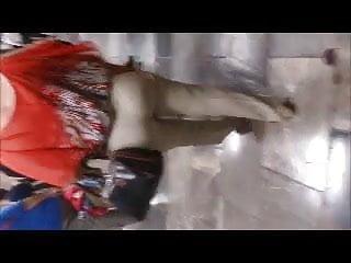 Verga naked - Abuela agarra verga en el metro