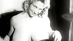 Amazing Woman Shows all Her Beauty (1950s Vintage)