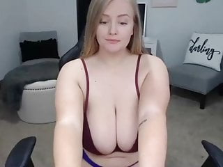 Amateur big boob natural Big boob natural babe