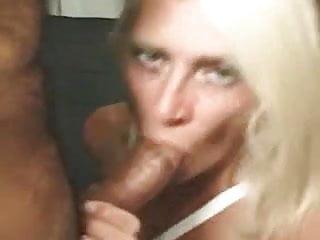 Fat mom sucking dick - Blonde mom sucks a fat dick