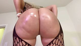 Amazing Babe With Oil Big Booty By UV1988
