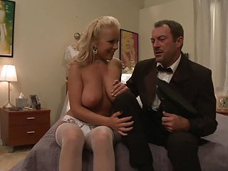 Hard up her anal Bride does not want to get marry and fucks her driver hard