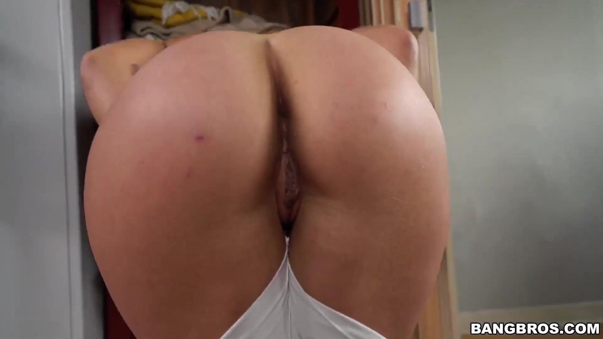 Big Ass Milf Anal Threesome