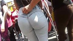 Rz Chibola potona en Jeans