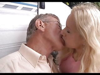 Havasu blonde fucking Oldman outdoor blonde fucking