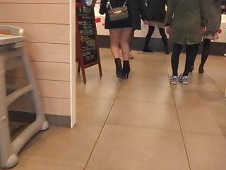 Sexy japanese legs Sexy legs walk 033