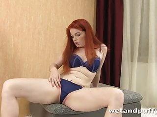 Barbara home konta sex Barbara babeurre teases her pussy