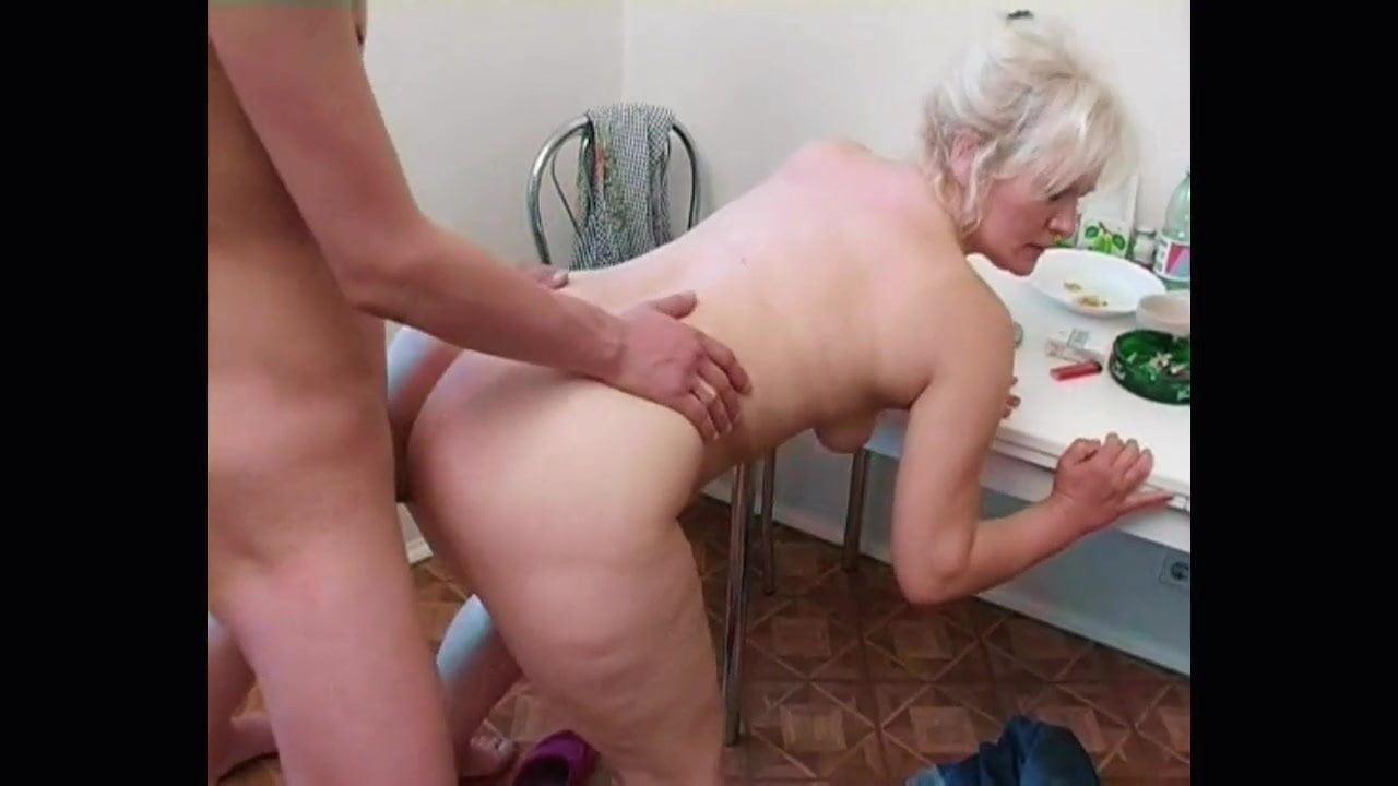 Junge Russische Frau Mit Pussypumpe