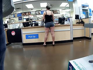 Sexy thigh sex - Juicy thick thighs plump ass sexy walk