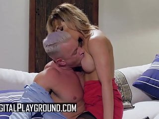Suck newman - Cherie deville brad newman - the ex-girlfriend episode 1