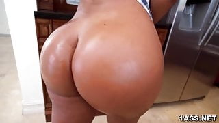 Voluptuous Rose Monroe dicked down in the kitchen