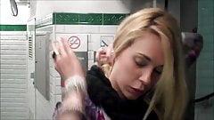 Pisseuse francaise marion la salope du metro