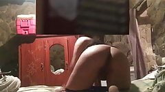 Veneca scort  adora la miren desnuda