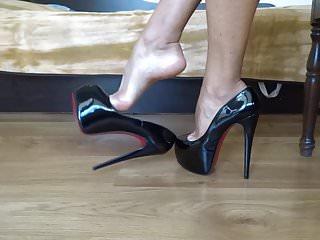 Ad hd adult Dangling my black shiny high heels ad shoeplay
