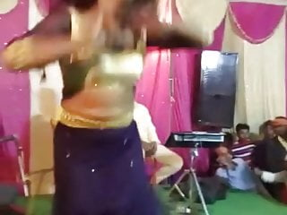 Indian sex dance Boob show while dancing