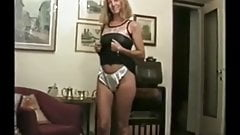 100 WOMEN DANCING AND STRIPPING 15 - 29