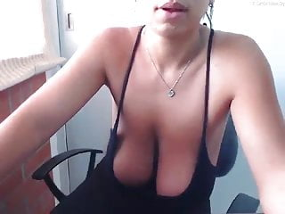 Shara palin naked Saggy-boobed shara braless in her black dress