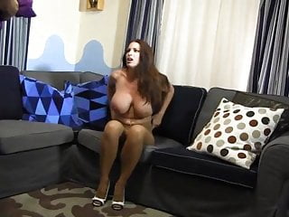 Amateur nude wives in bondage Goldie nude rope so tight