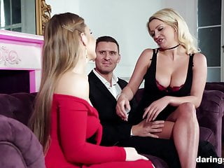 Escort sex with Escort bimbos love pussylicking and anal sex with the client